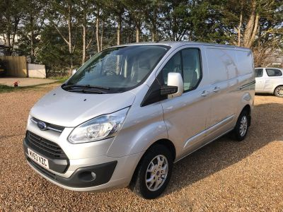 FORD TRANSIT CUSTOM 270 LIMITED LR P/V - 3458 - 2