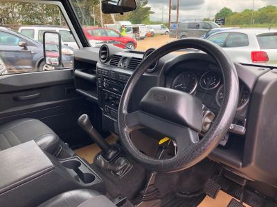 LAND ROVER DEFENDER 110 XS STATION WAGON - 3113 - 11