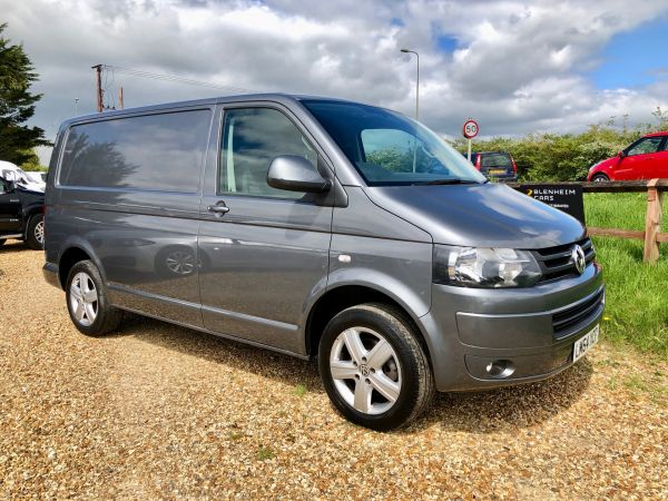 Used VOLKSWAGEN TRANSPORTER in Witney, Oxfordshire for sale
