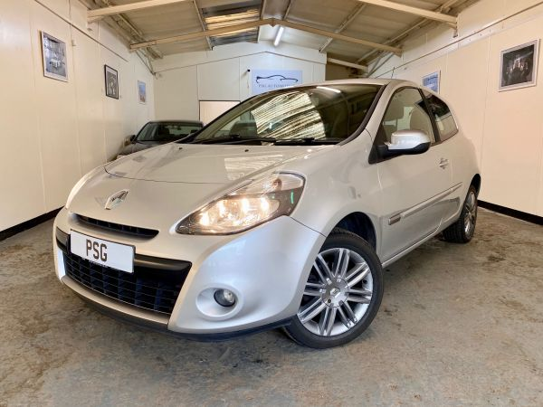 Used RENAULT CLIO in Witney, Oxfordshire for sale