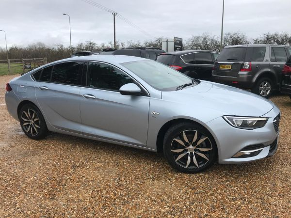Used VAUXHALL INSIGNIA GRAND SPORT in Witney, Oxfordshire for sale