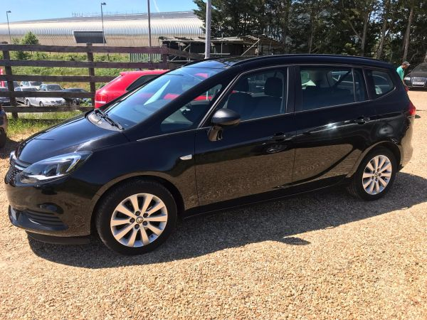 Used VAUXHALL ZAFIRA TOURER in Witney, Oxfordshire for sale