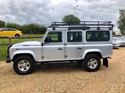 LAND ROVER DEFENDER 110 XS STATION WAGON - 3113 - 4