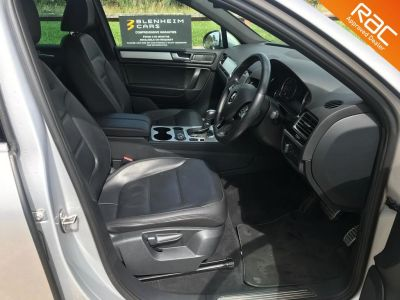 VOLKSWAGEN TOUAREG V6 ALTITUDE TDI BLUEMOTION TECHNOLOGY - 3356 - 8