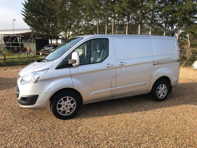 FORD TRANSIT CUSTOM 270 LIMITED LR P/V - 3458 - 1