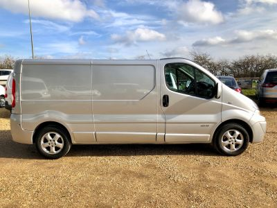 RENAULT TRAFIC LL29 SPORT DCI S/R - 3034 - 6