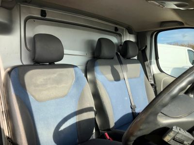 RENAULT TRAFIC LL29 SPORT DCI S/R - 3034 - 8